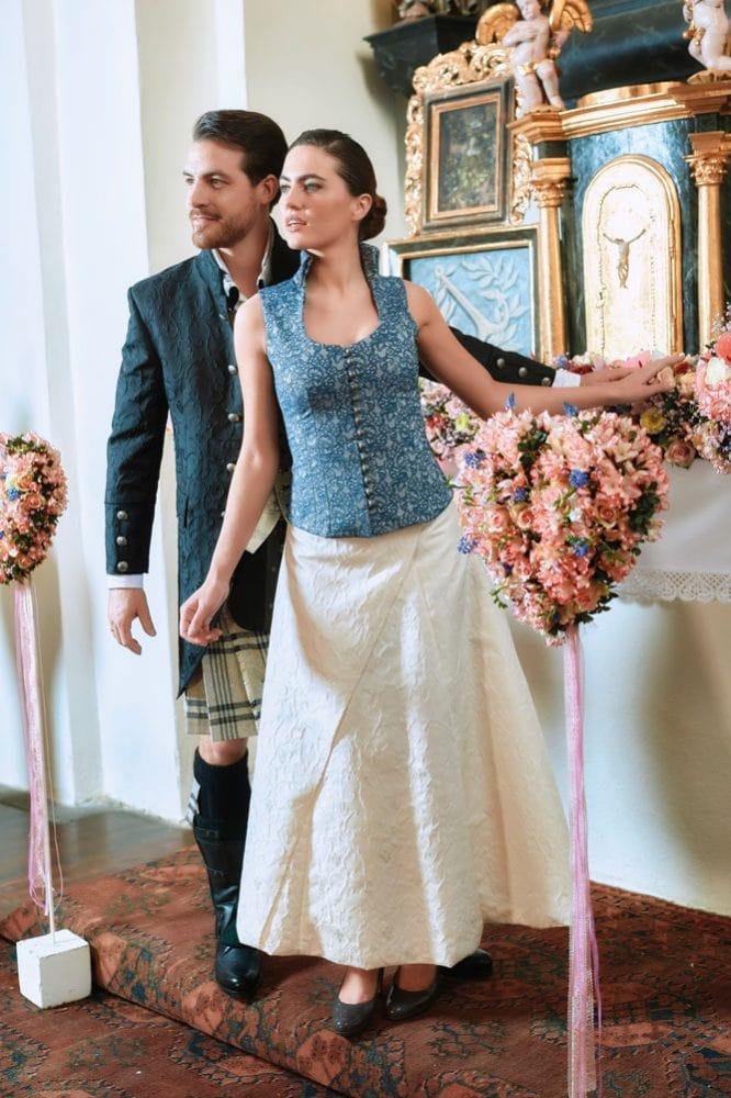 Hochzeit in Brokat und Seide 7