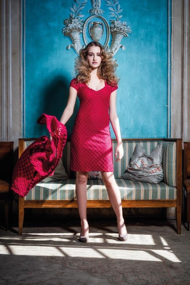 """Kleid """"Lacy"""" Stretchspitze rot mit Technojersey unterlegt"""