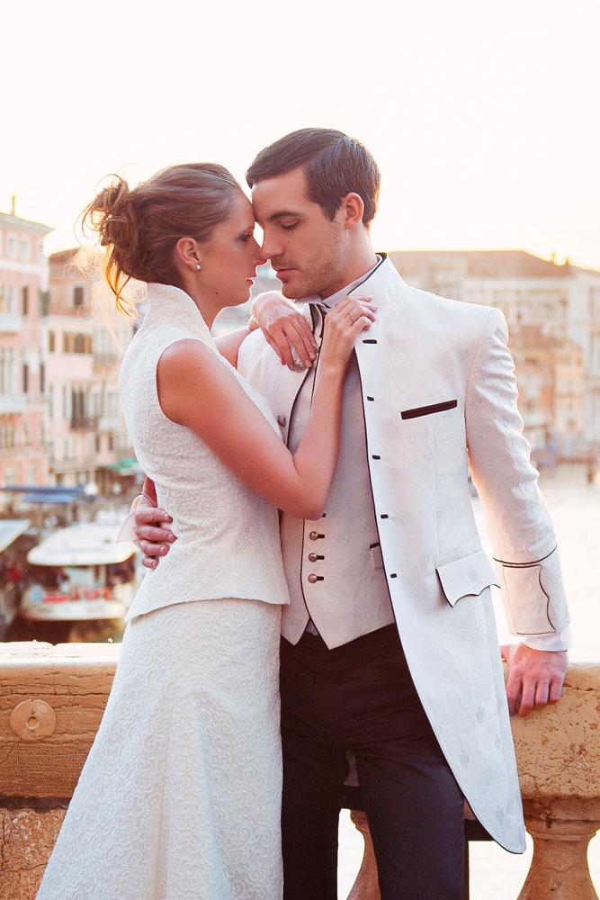 Hochzeit in Rankenseide creme